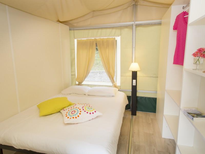Accommodatie lodgetent slaapkamer
