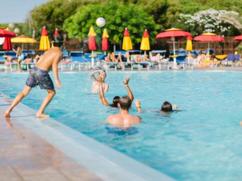 Torre del Porticciolo zwembad spelen