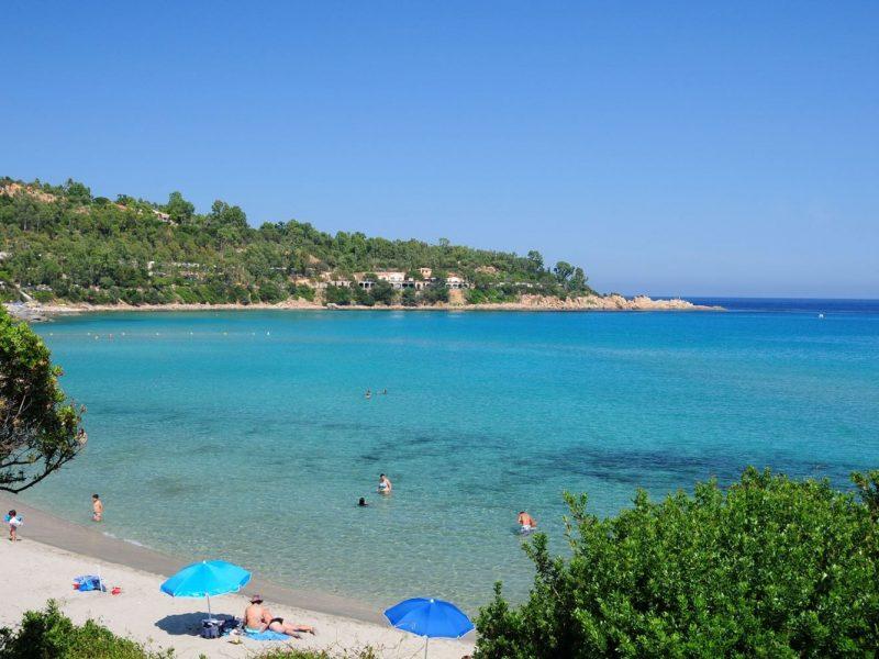 Villaggio Telis baai strand