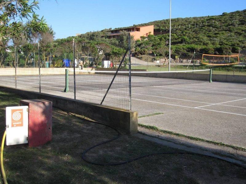Tonnara tennisbaan sportveld