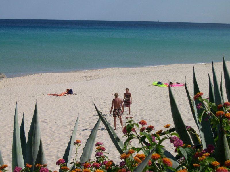Rey Beach Club Costa Rei strand uitzicht op zee