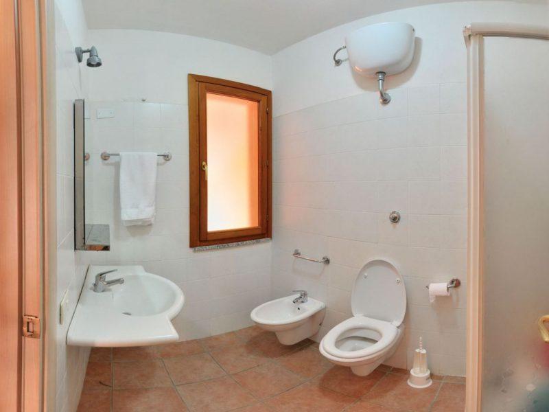 Accommodatie appartement inrichting badkamer