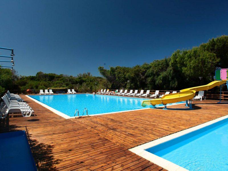Bella Sardinia zwembad glijbaan