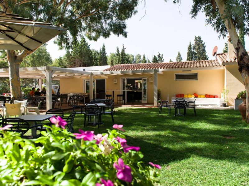 Camping Flumendosa restaurant buiten