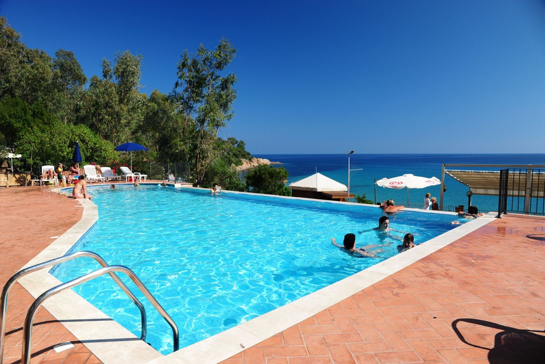 Camping-Villagio-Telis-Zwembad-Camping op Sardinië