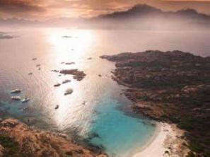 Wanneer kun je het best op vakantie naar Sardinië?
